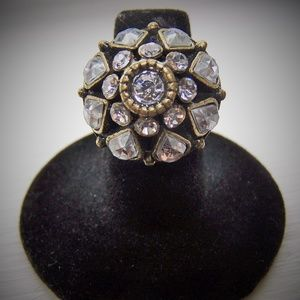 Jewelry - Brass finish vintage style crystal stretch ring